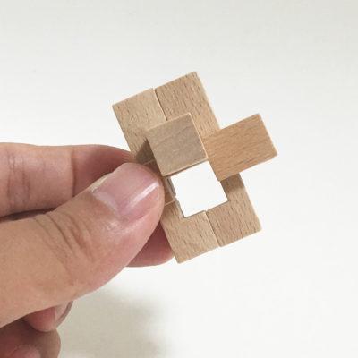 四角い隙間